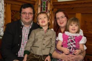 Eva und Alois vom Weingut Roch mit ihren Kindern
