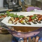 Caprese (Mozzarella mit Paradeiser)